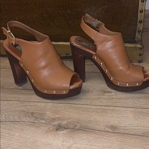 Jessica Simpson size seven leather heels